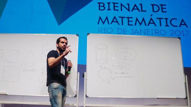 Artur Avila na Bienal de Matemária de 2017, no Rio de Janeiro