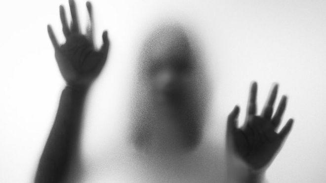 "Картинки по запросу ""привидение ходит по полу"""