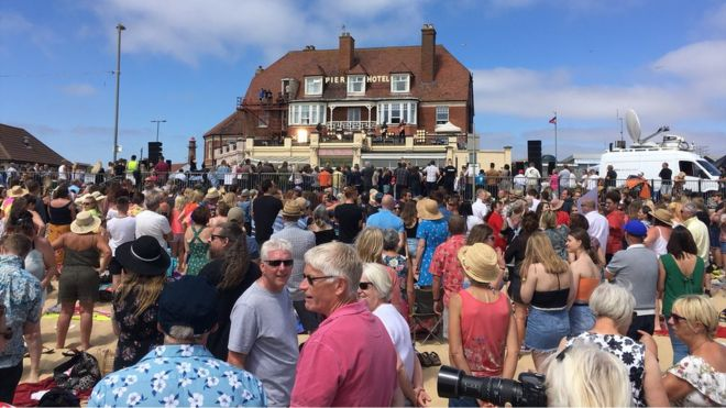 Gorleston beach crowd