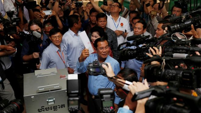 Hun Sen votes