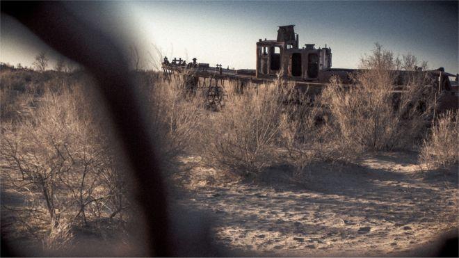 Cementerio de barcos en Moynaq, Uzbekistán. Foto: Paul Ivan Harris