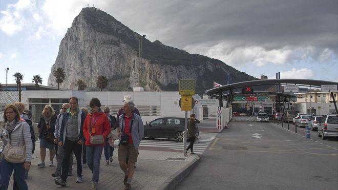 Gibraltar border, seen from La Linea, 3 Apr 17
