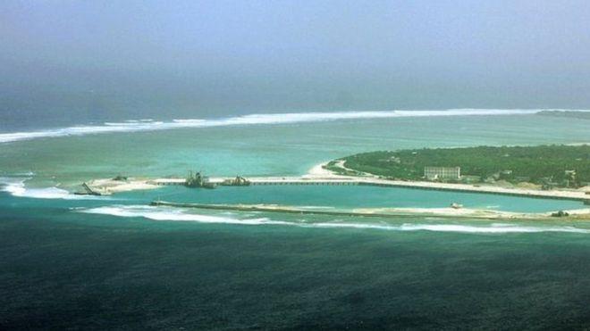 Biển Đông, với các quần đảo Hoàng Sa và Trường Sa là một trong những vùng biển có tranh chấp nhất về chủ quyền