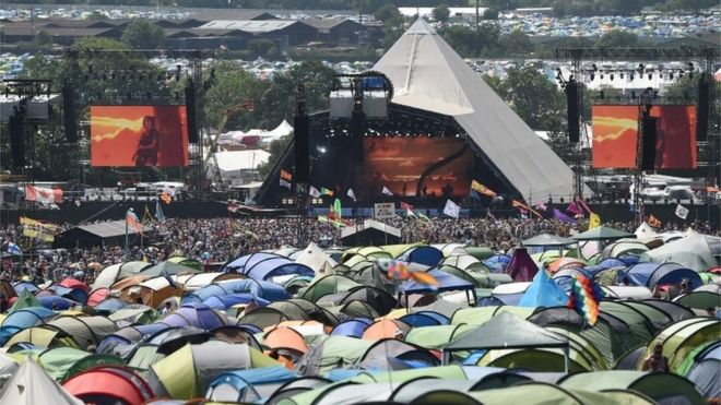 Glastonbury Festival 2020.Glastonbury 2020 First Tickets Sell Out In 27 Minutes Bbc