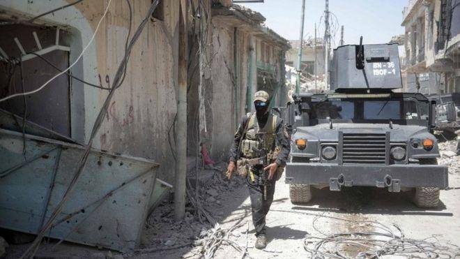 Irak güçleri Musul'da IŞİD'in karşı saldırılarını püskürtüyor