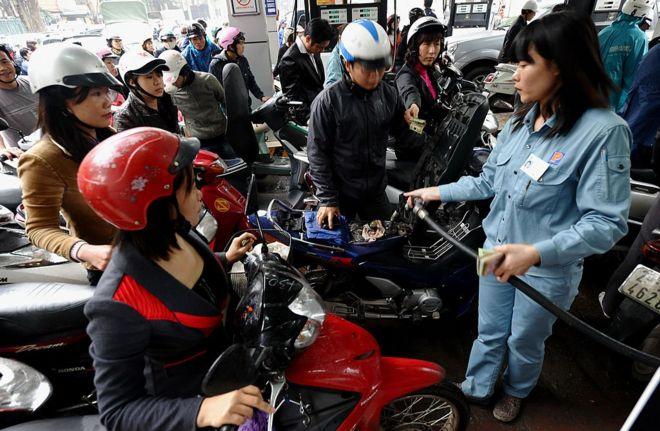 Do tăng trưởng cả về kinh tế và dân số, Việt Nam có nhu cầu ngày càng lớn về năng lượng