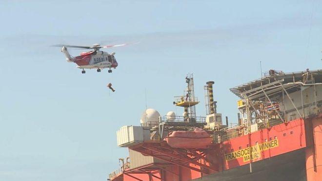 salvage experts begin examining stricken western isles oil rig