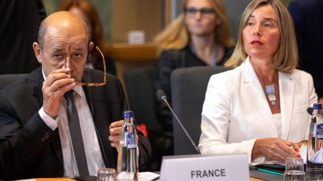 موگرینی در کنار لو دریان وزیر خارجه فرانسه در نشست ۱۵ مه