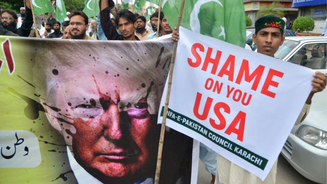 Pakistanis protest against Donald Trump's accusations that their country harbours militants, 25 August 2017