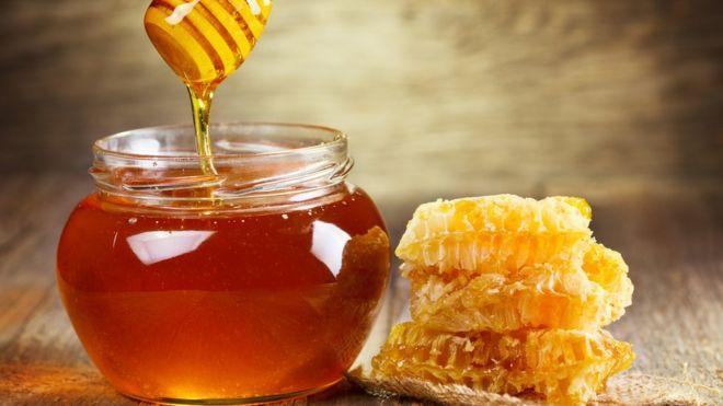 Propiedades de la miel de abeja en el rostro