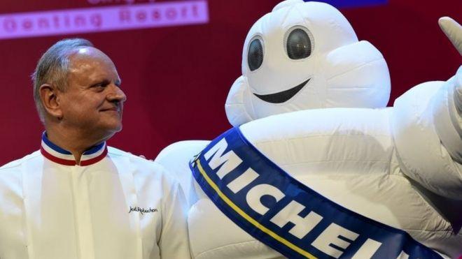 Joël Robuchon, Michelin star French chef, dies aged 73 - BBC