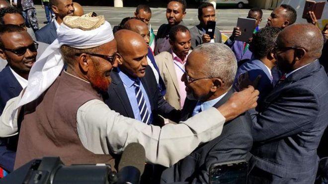 Addis Ababa oo maanta lagu soo dhaweeyay guddoomiyaha ONLF iyo mas'uuliyiin ka tirsan guddiga fulinta ee jabhadda