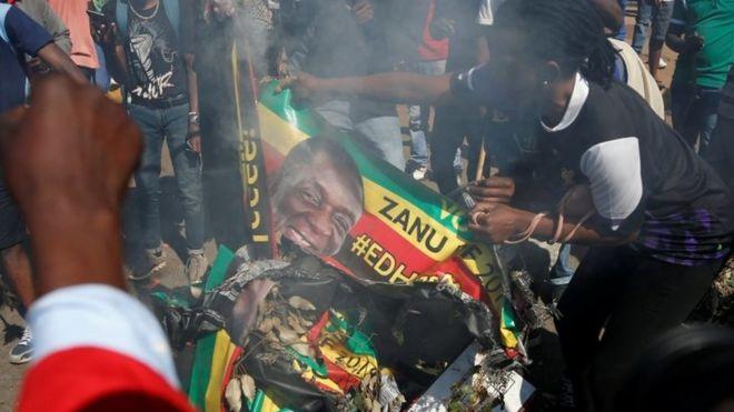 Apoiadores do Movimento para a Mudança Democrática (MDC) em Harare