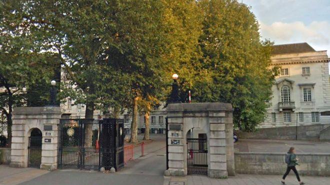 Man pours acid on himself as judge passes jail sentence - BBC News