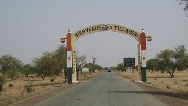 A sign saying welcome to Tillaberi in Niger