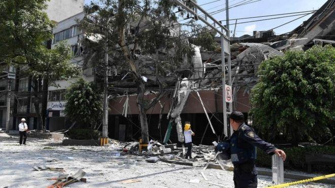 Un edificio dañado en Ciudad de México