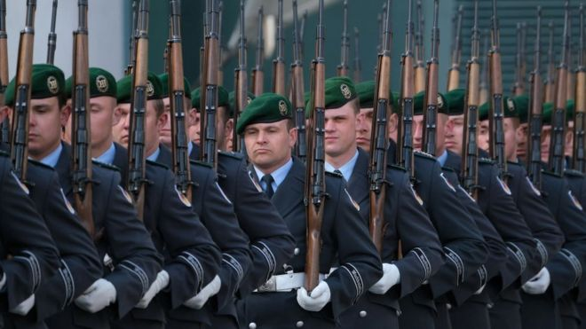 德国联邦国防军的士兵,于2019年3月在柏林合影