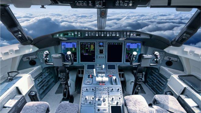 Cabine de piloto vazia
