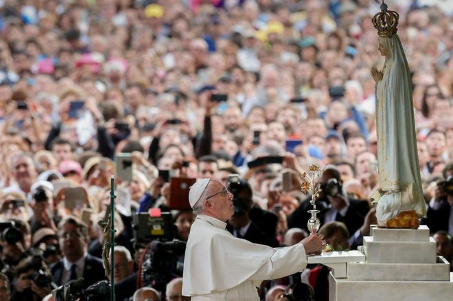 Папа римский причислит к лику святых свидетелей «чуда в Фатиме»