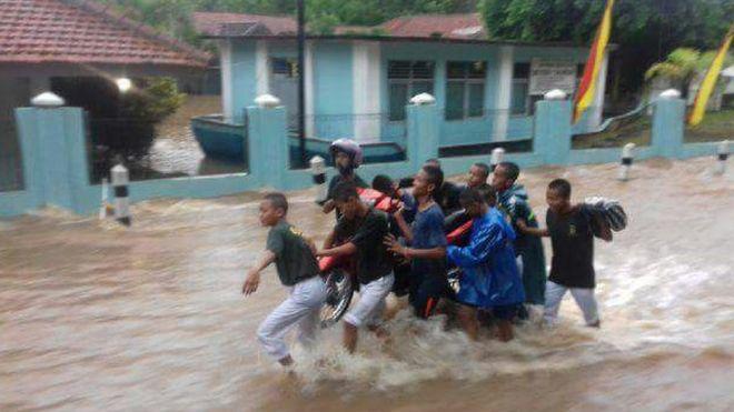 Apa Yang Memicu Bencana Banjir Bandang Dan Tanah Longsor Di Pacitan