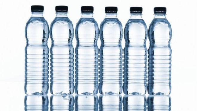 Các quan chức địa phương được cho là làm giả dữ liệu bằng cách sử dụng nước đóng chai thay vì nước sông