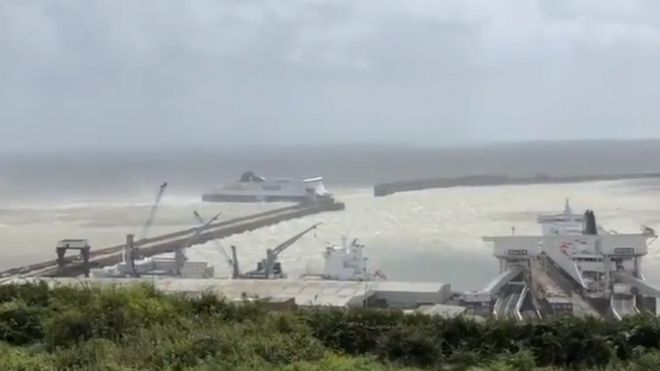 Dover: Ferry passengers stuck at sea due to high winds - BBC