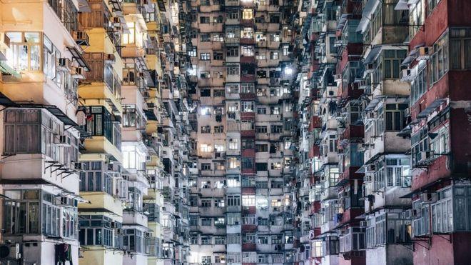 Aglomeración de viviendas en Hong Kong, China.