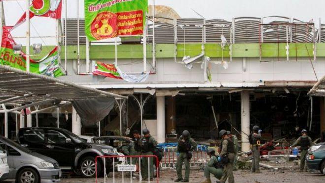 เหตุระเบิดหน้าห้างบิ๊กซี จ.ปัตตานี เกิดขึ้นเมื่อวันที่ 9 พ.ค. ขณะผู้ปกครองพาบุตรหลานไปเลือกซื้อชุดนักเรียนและอุปกรณ์การศึกษา ก่อนเปิดเทอม ทำให้มีผู้หญิงและเด็กได้รับบาดเจ็บจากเหตุการณ์จำนวนมาก