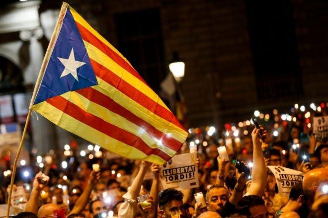 İspanya, Katalonya'nın özerkliğini kaldırmaya hazırlanıyor