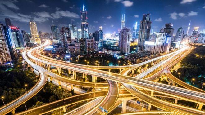 شانگهای یکی از پرجمعیتترین شهرهای چین و یکی از بزرگترین بنادر جهان است