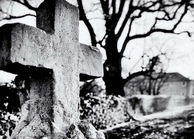 Eyam plague: The village of the damned - BBC News