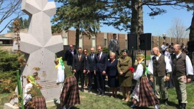 Cerimônia de inauguração de monumento em homenagem ao general Adolfas Ramanauskas-Vanagas, em 4 de maio de 2019