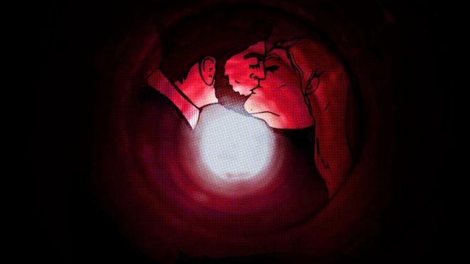 Ilustração de um túnel com luz ao fundo, e homem e mulher se beijando