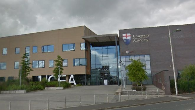 University of Chester urged to pull out of academy schools - BBC News