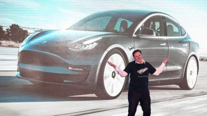 El director ejecutivo de Tesla, Elon Musk, durante el lanzamiento del Modelo3, fabricado en China