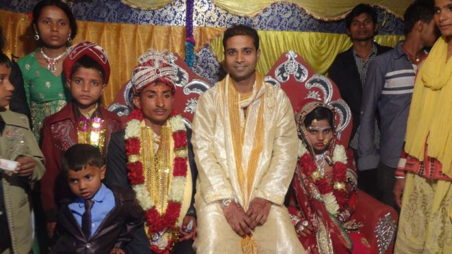 Gani Ansari (in yellow) with best friend and groom Ram Narayan