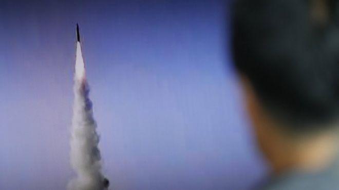K.Koreli Diplomat: Nükleer silahlar müzakereye açık değil