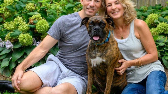 西伯利亞哈士奇小狗艾裏(Aery)是羅肖和她的伴侶惠勒家庭裏的新成員。