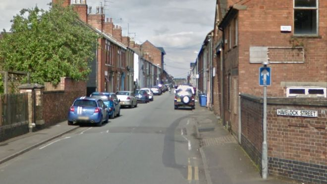 eed423254 Murder investigation after man dies in Kettering - BBC News