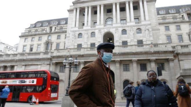 Коронавирус: правительство Британии планирует отправить на карантин всех граждан старше 70 лет на месяцы