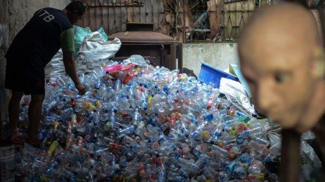 BijakBerplastik  Perlukah air kemasan gelas tetap diproduksi  - BBC ... 21432d0d6e