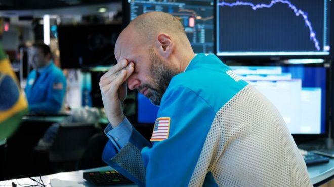 Wall Street sigue en caída libre pese a las medidas económicas de emergencia.