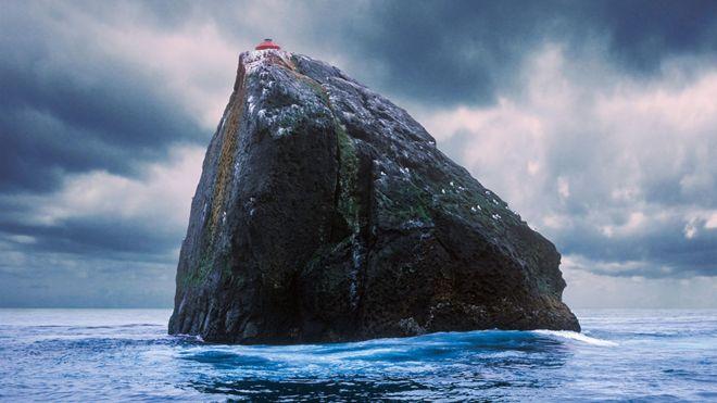 Rockall Q&A: Fishing dispute between Scotland and Ireland