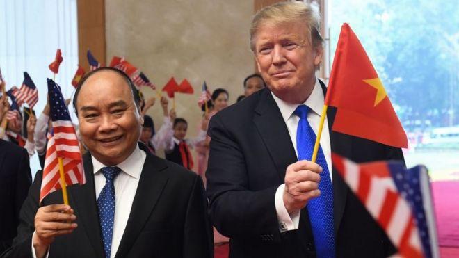 Tổng thống Donald Trump ở Hà Nội tháng Hai 2019, gặp Thủ tướng Nguyễn Xuân Phúc