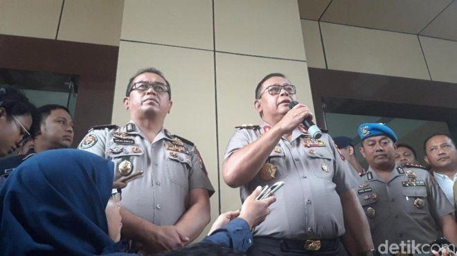 Polda Jawa Timur menggelar konferensi pers terkait kasus prostitusi online yang melibatkan Vanessa Angel, Senin (7/1).