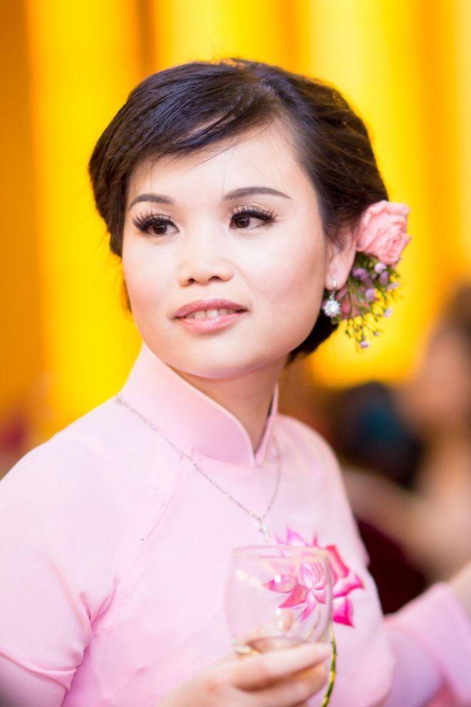 Cô dâu Vũ Thị Ngọc hồi mới làm đám cưới vào năm 1996