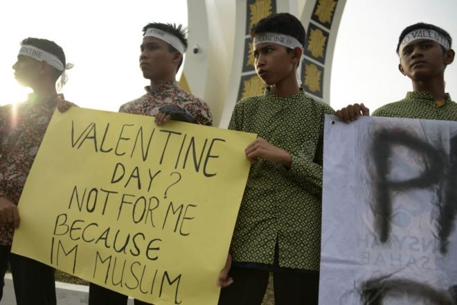 demo anti perayaan Valentine