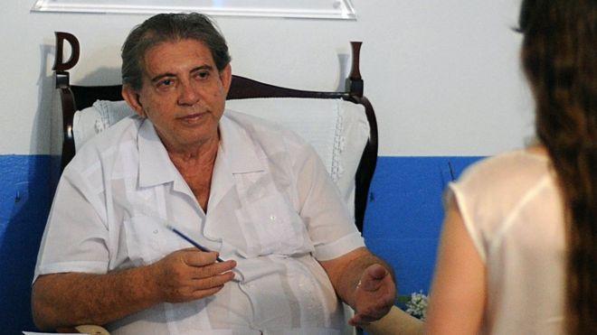 John of God: Brazil 'faith healer' considered fugitive - BBC News