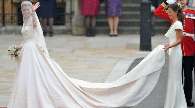 652f28e1234 Wedding dresses  What happens next  - BBC News