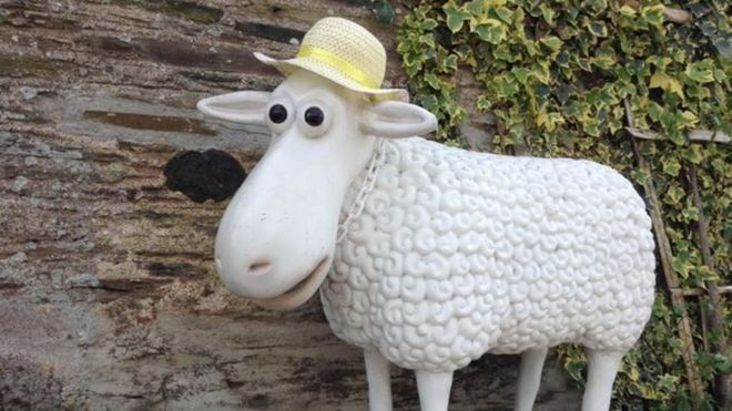 shaun the sheep statue stolen from chillington home bbc news